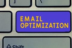 Handwriting teksta emaila optymalizacja Pojęcia znaczenie Maksymalizuje skuteczność kampania marketingowa zdjęcie stock
