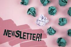 Handwriting teksta gazetki Motywacyjny wezwanie Pojęcia znaczenia biuletyn okresowo wysyłał członkowie pisać na Maluję P grupa zdjęcia stock
