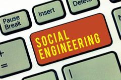 Handwriting teksta inżynieria socjalna Pojęcie znaczy Psychologicznego manipulacja zysku dostęp przez oszustwa obrazy royalty free