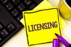 Handwriting teksta koncesjonowanie Pojęcia znaczenie Grant licencja pozwolenie Legalnie Pozwoli aktywność pisać na Kleistym N use obrazy stock