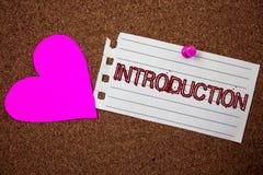 Handwriting teksta wprowadzenie Pojęcia znaczenia Pierwszy część dokument Formalna prezentacja widownia kawałka notatnika papier  fotografia royalty free