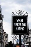 Handwriting teksta writing Co Robi Ci Szczęśliwemu pytaniu Pojęcia znaczenia szczęścia komes z miłości i pozytywu życia rocznikie obrazy royalty free