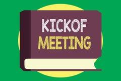 Handwriting teksta writing Kickoff spotkanie Pojęcia znaczenia Specjalna dyskusja na legalność wymagać w projekcie ilustracji