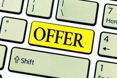 Handwriting teksta writing oferta Pojęcia znaczenie oburza się coś akceptować odrzut pragnący jak dla someone lub proffer zdjęcie royalty free