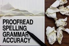 Handwriting teksta writing Proofread Literujący gramatyki dokładność Pojęcie znaczy Grammatically poprawnego Unika błędu markiera zdjęcia stock