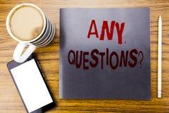 Handwriting zawiadomienia tekst pokazuje Żadny pytania Biznesowy pojęcie dla odpowiedzi pomocy pytania Pisać na notepad nutowym p zdjęcia stock