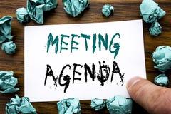 Handwriting zawiadomienia tekst pokazuje spotkanie agendę Biznesowy pojęcie dla Biznesowego rozkładu planu Pisać na kleistym nuto Fotografia Royalty Free