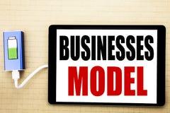 Handwriting zawiadomienia teksta seansu biznesów model Biznesowy pojęcie dla projekta Dla biznesu Pisać na pastylce z białym bac Obrazy Royalty Free