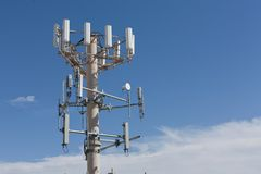 Handy-Antennenmast Stockfoto