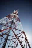 Handy-Basisstation im blauen Himmel Lizenzfreie Stockbilder