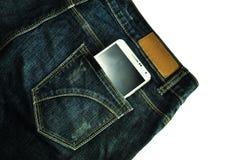 Handy in der Jeanstasche stockbilder