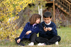 Handy-Kinder lizenzfreie stockbilder