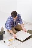 handyman βασική βελτίωση που βάζ& Στοκ Εικόνες