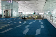 Haneda-Flughafen travelators Zugang zu den Toren Lizenzfreie Stockfotografie