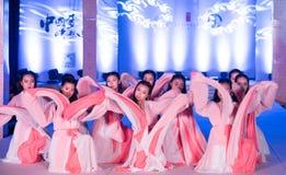 Hanfu舞蹈--打开的展示 库存图片