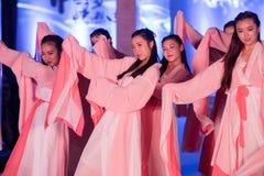 Hanfu舞蹈--打开的展示 图库摄影
