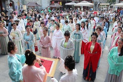 Hanfu chinês do desgaste de mulheres Foto de Stock Royalty Free