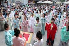 Hanfu chino del desgaste de mujeres Foto de archivo libre de regalías