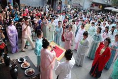 Hanfu cinese dell'usura delle donne Fotografia Stock Libera da Diritti