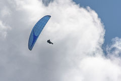 Hang glider in the blue sky Royalty Free Stock Images