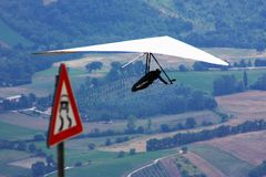 Hang glider pilot in Italian mountains Royalty Free Stock Photography