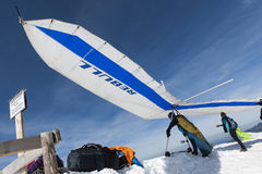 Hang glider ready for take off Stock Photos