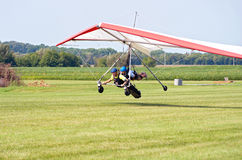 Hang Gliders Land dans Whitewater Photo stock