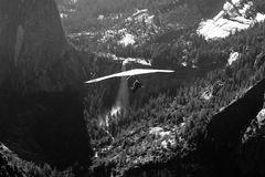 Hang-Gliding over valley Stock Photos