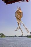 Hang lantaarn in hemel Stock Foto