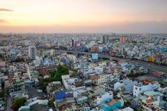 Hang Xanh genomskärningsflygparad i solnedgången, Ho Chi Minh stad, Vietnam royaltyfria bilder