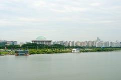 Hangang flod i Seoul i sommar i Korea Arkivfoto