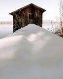 Hangar à bateaux congelé de lac Images libres de droits