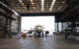 Hangar aérospatial intérieur Photo stock