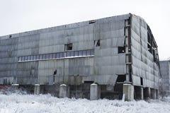 Hangar abandonné d'entrepôt Photo stock