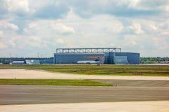 Hangar de Lufthansa Technik Foto de Stock