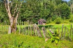 Hangar en bois de montagne Photo libre de droits