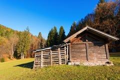 Hangar en bois - Val di Sella Trentino Italy Photographie stock