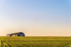 Hangares da exploração agrícola Fotografia de Stock Royalty Free