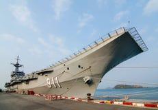 Hangarfartyg och slagskepp Arkivbild