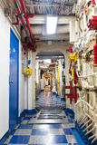 Hangarfartygkorridor Fotografering för Bildbyråer