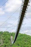 Hangbrug voor voetgangers in Hunsrà ¼ CK in Duitsland Stock Foto's