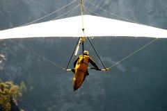 Hangen-glijdt over een vallei Stock Foto's