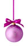Hangend lilac geïsoleerde Kerstmisbal Stock Afbeeldingen