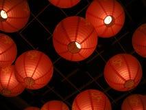 Hangende Chinese draaklantaarns Stock Foto
