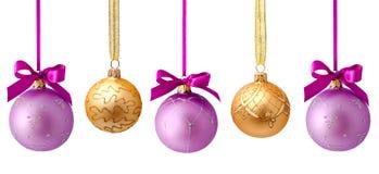 Hangende geïsoleerde Kerstmisballen Royalty-vrije Stock Afbeeldingen