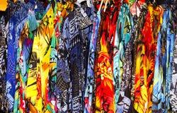 Hangende Overhemden Stock Afbeeldingen