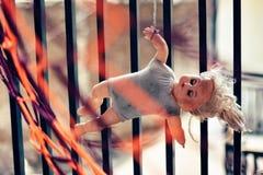 Hangende pop voor moedig u stock fotografie