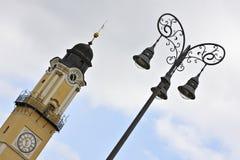 Hangende toren royalty-vrije stock afbeeldingen
