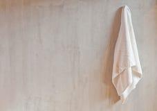 Hangende Witte Handdoek Stock Foto's
