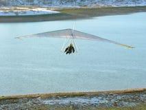 Hangglider e fiume Fotografia Stock Libera da Diritti